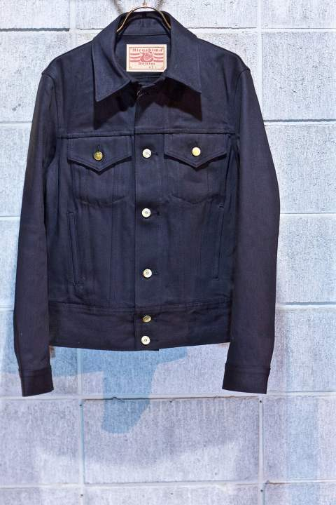TRACKER JKT Black